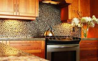 Отделка стен в прихожей и на кухне декоративным камнем и обоями на фото (55 фото идей)