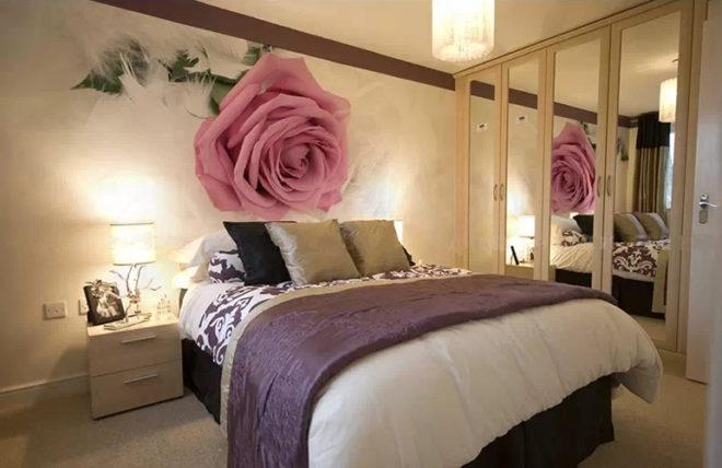 3D фотообои с розами в спальне
